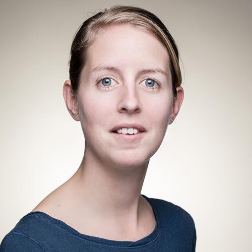 zakelijk portret vrouw door portretfotograaf bedrijfsfotografie cv