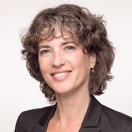 profielfoto witte achtergrond vrouw amsterdam linkedinfoto
