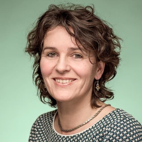 portretfoto voor cv amsterdam social media vrouw groen